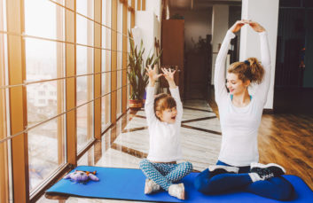 Yoga training in family