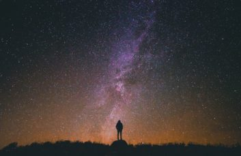 Hiking with the light of the stars in Solaison