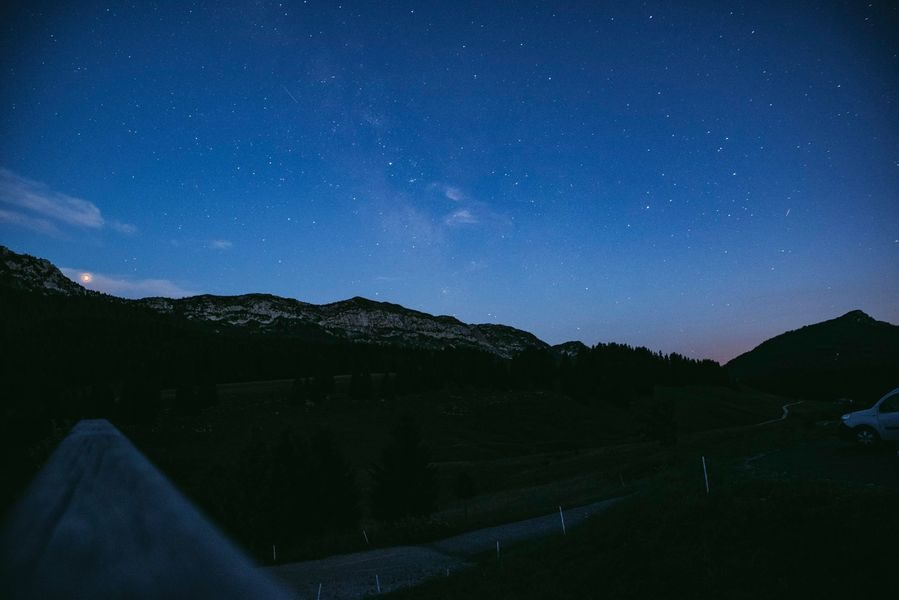 Hiking with the ligh of the stars in Glieres
